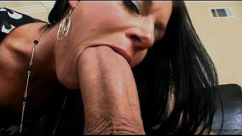 India summer receives her milf slit split in 2