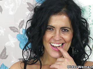 Curvy milf montse swinger finger copulates her muff