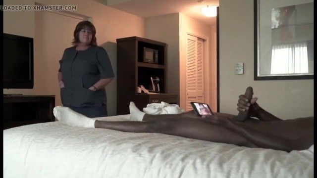 Hotel maid like flashed 10-pounder