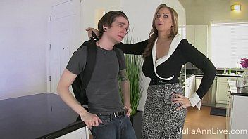 Stepmom julia ann copulates stepson in gazoo