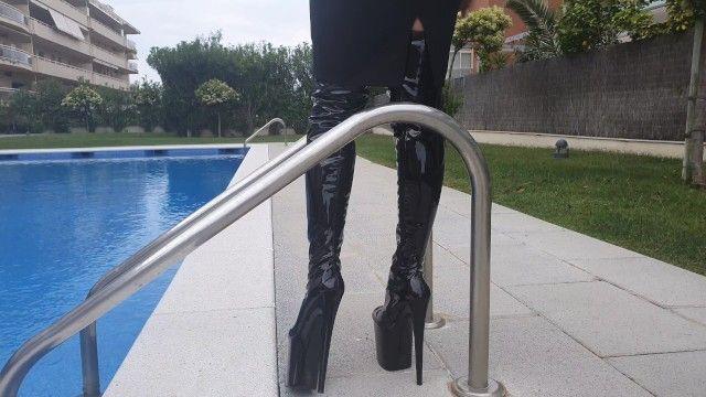 Moomy in boots high heels hawt view near pool