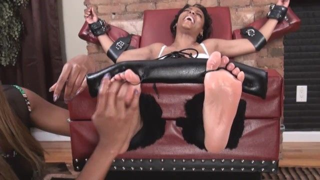 Yummy black feet tickle