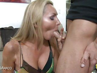 Cute milf receives her constricted snatch pumped