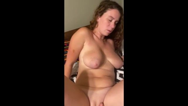 Hot milf love when somebody play with her love tunnel