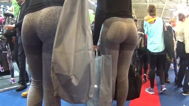 2 candid fit butts in grey yoga panties walking
