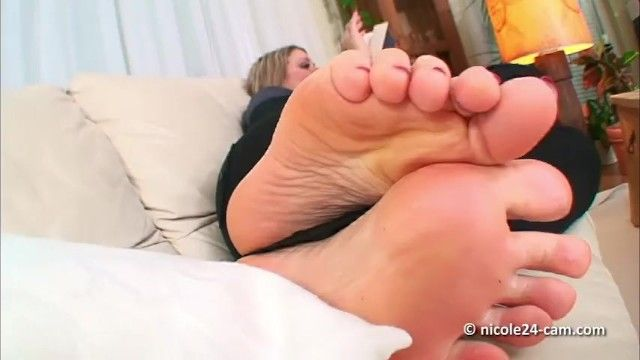 Nicole24 nice-looking soles