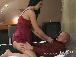Mommy cougar wife copula il suo amante