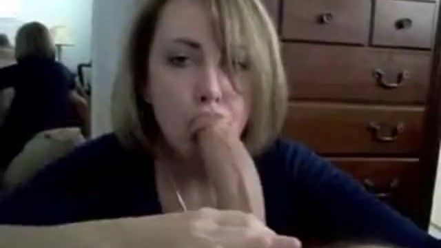 Yummy milf gives epic bj