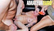 Reife swinger - Milfs mais velhos sexualmente excitados bombados com força em 3some - amateureuro