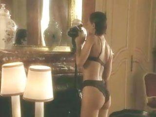 Nathalie marqay nue exposta em clipe pornô