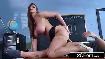 Hawt milf brooklyn pursue teaches her student