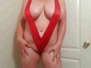 38h meloni lateshay in costume da bagno rosso fatto in casa