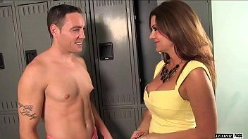 Raquel devine is a breasty dark brown milf that not at any time turns down the dude romeo price.
