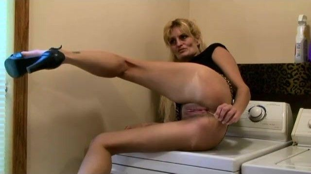 Marie wadsworthy wife mamma smokin oral-stimulation spunk flow banging wet crack cougar milf
